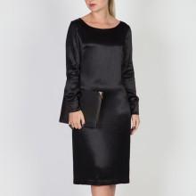 שמלת משי שחורה
